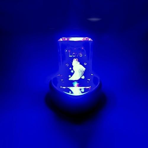 3 Boyutlu Işıklı Kalpli Kristal Cam Biblo Evlilik Temalı