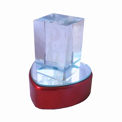 3 Boyutlu Işıklı Kalpli Kristal Cam Biblo Aşk Temalı