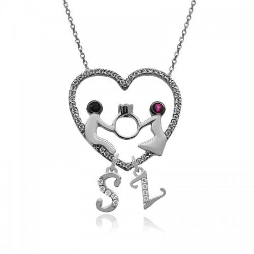 Harfli Kalp İçinde Yüzük Tutan Sevgililer Gümüş Kolye